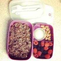 Red Quinoa & Berries Breakfast